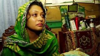 স্বামীর হত্যাকাণ্ডে জড়িত সন্দেহে আয়শা সিদ্দিকা মিন্নিকে গ্রেপ্তার করেছে পুলিশ
