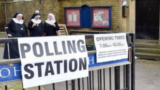 Nuns voting in London in the 2015 elections