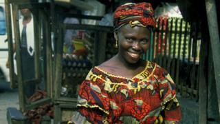 As tins be for Nigeria, women dey collect small salary unlike men