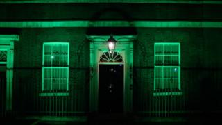 number-10-lit-green