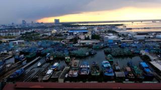 雅加達北部港灣內的漁船