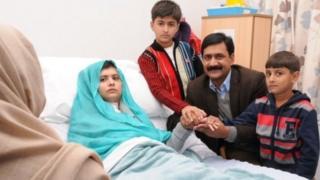 Malala da mahaifinta da kuma 'yan uwanta