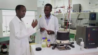 Faso soap, gérard niyondiko, rémy nsabimana, afrique avenir, bbc afrique, jeunes entrepreneurs, burundi, rwanda, burkina faso