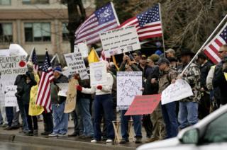 Pro-gun protesters