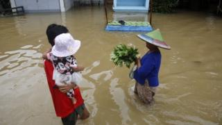 ကရင်ပြည်နယ် ဘားအံမြို့နယ်အတွင်း ဇူလိုင်လ ရေကြီးခဲ့စဉ်က