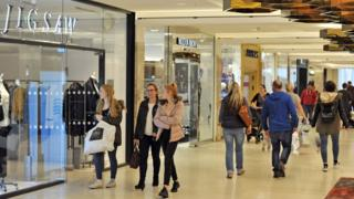 Shoppers at Centre:mk
