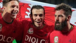 Wayne Hennessey, Gareth Bale a Joe Ledley