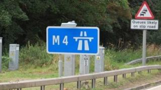 Damwain M4