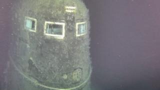 Подводная лодка лежит на глубине 1680 метров.