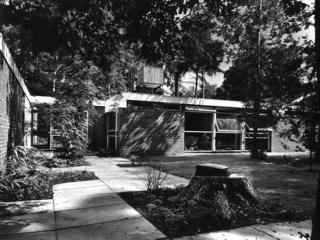 Surrey home of architect Edward Hartry/Herzbaum