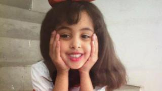 攻撃の犠牲者の中には、米国生まれのアルカイダ指導者で、2011年に米軍による攻撃で死亡したアンワル・アル・アウラキ師の8歳の娘(写真)もいたと報じられている