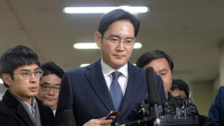 Samsung Group chief, Jay Y. Lee, arrives at the office of the independent counsel in Seoul, South Korea, February 16, 2017.