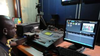 L'union des radios et télévisions libres du Mali (Urtel) s'est élévée contre cette annonce.