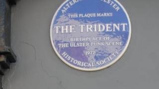 new blue plaque in Bangor marking Punk's birthplace in Ulster