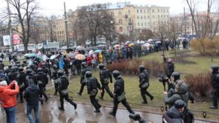 Полиция бежит