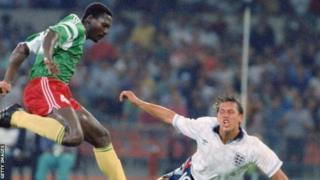 Massing, qui a joué en France à Créteil, a fait l'objet de 34 sélections à l'équipe nationale du Cameroun entre 1986 et 1992.