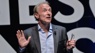 Tim Berners-Lee dando uma palestra