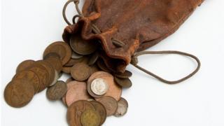 Bolsa con monedas.