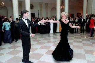 Daiana dançando com Travolta