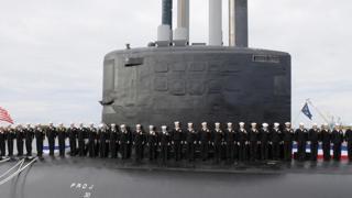 """подводная лодка """"Нью-Гемпшир"""" класса """"Вирджиния"""" во время спуска на воду"""