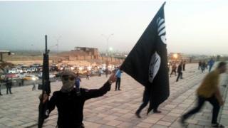 Musul'daki bir IŞİD militanı (Arşiv)