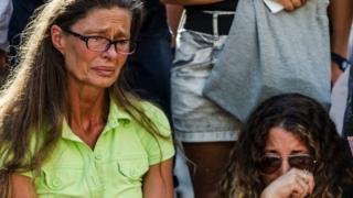 mujeres lloran atentados Barcelona