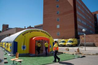 View of a field hospital set up by health authorities next to Arnau de Vilanova Teaching Hospital in Lleida, Catalonia, 3 July