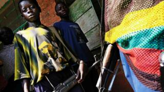 Igisirikare ca Lubanga categeka abana b'abahungu kuja kurwana mu buseruko bwa Kongo