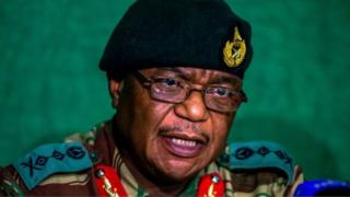 Constantino Chiwenga na former army chief wey later come become vice-president for December.