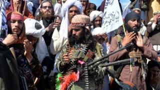گروه طالبان اختلاف در رهبری این گروه را رد کرده است