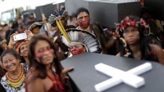 Yerli protestosunda kadınlar