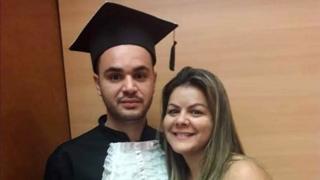 Andresa Rodrigues e o filho Bruno Rocha Rodrigues, de 26 anos