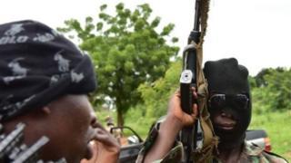 Sauti za risasi na silaha nzito zimesikika katika mji wa pili kwa ukubwa nchini Ivory Coast, Bouake.