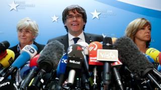 أكد رئيس اقليم كتالونيا المقال أنه جاء إلى بروكسل من أجل إسماع صوته في الاتحاد الأوروبي، ولا يعتزم طلب اللجوء السياسي.
