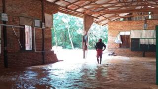 ရုတ်တရက်ရေကြီးမြင့်တက်မှုကြောင့် ရေးမြို့နယ်အတွင်းက စာသင်ကျောင်းအချို့ ပျက်စီးခဲ့
