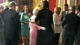 michelle hugs the queen