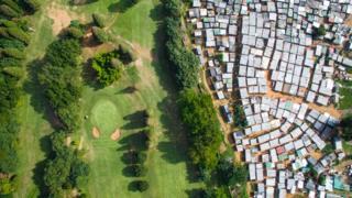 زمین گلف در دوربان آفریقای جنوبی