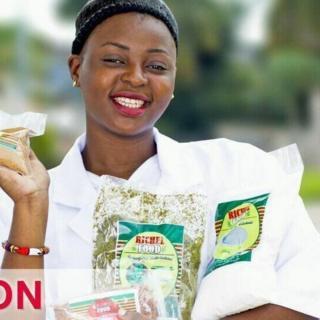 Une jeune femme à la tête d'une entreprise tente d'innover à Brazzaville, la capitale de la République du Congo, dans le domaine de l'agro-alimentaire.