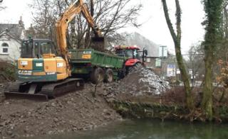 Gravel removal from River Rothay