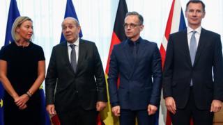 فدریکا موگرینی، مسئول سیاست خارجی اتحادیه اروپا در نشست امروز با وزرای خارجه آلمان، فرانسه و بریتانیا