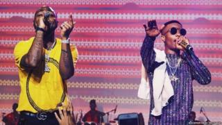 Davido and Wizkid dey perform for Lagos