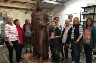 Henry VII statue and committee