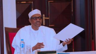 Shugaba Muhammadu Buhari ya nuna jimaminsa dangane da wahalar da 'yan Najeriya ke fuskanta na karanci man fetur.