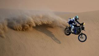 dakar-race-motocycle.