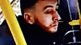 警方公布槍擊案兇嫌古克曼·塔尼斯(Gokmen Tanis)照片。