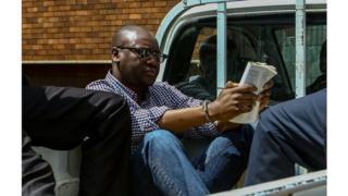 Le pasteur Evan Mawarire avait déjà été arrêté en février dernier à son arrivée à l'aéroport de Harare alors qu'il rentrait de plus de six mois d'exil.