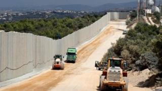 İsrail-Lübnan sınırında inşa edilen duvar