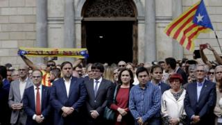 Katalan liderle birlikte açıklama yapıyor