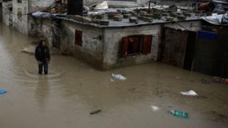 વરસાદના પાણીથી ડૂબેલા ઘર