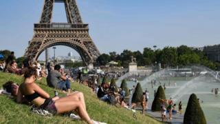 People bathe in Paris